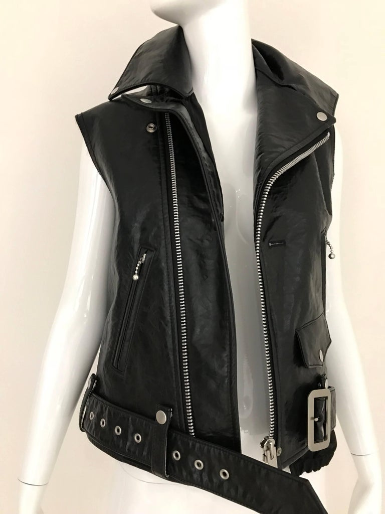 Junya Watanabe Black  Deconstructed Leather Vest In Excellent Condition For Sale In Beverly Hills, CA