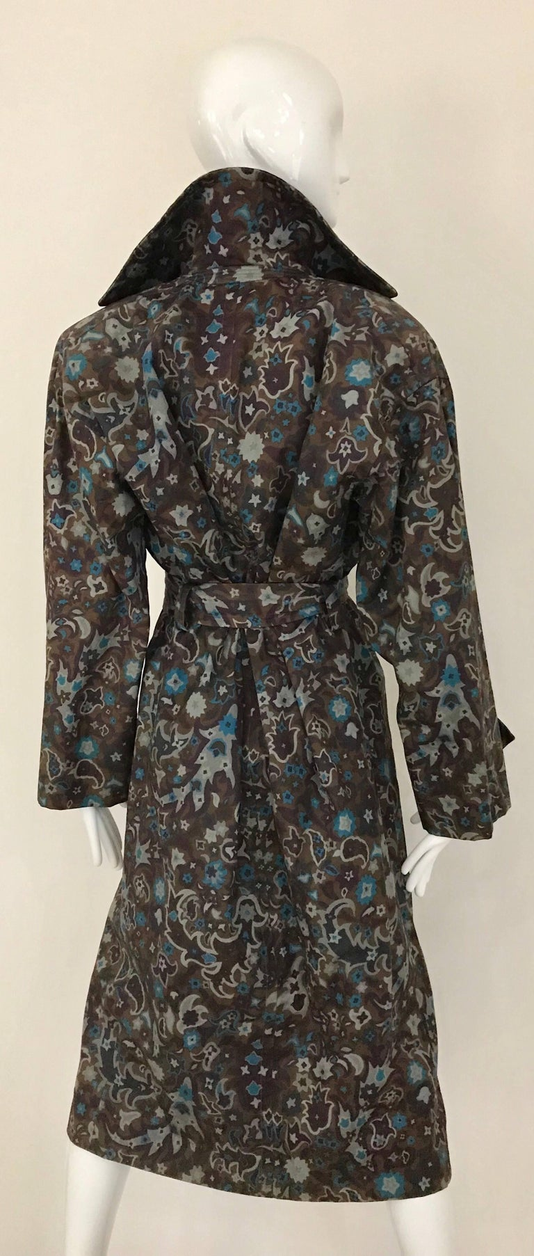 1970s Saint Laurent Brown, Teal and Grey Paisley Print vintage Trench Coat For Sale 4
