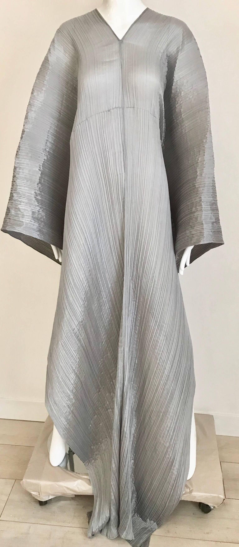 90s Issey miyake silver grey pleat please long and large shawl/ caftan/ dress. Fit size 2/4/6/8/10