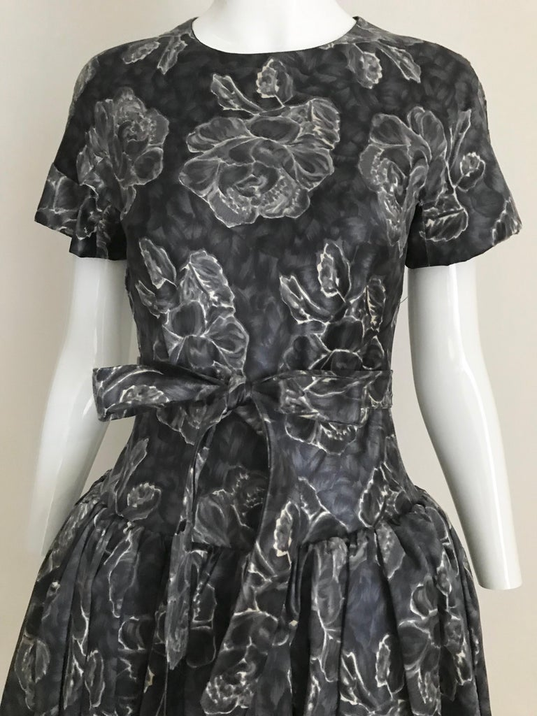 Vintage Norman Norell Blue and Grey Floral Print Silk Velvet Cocktail Dress  For Sale 2