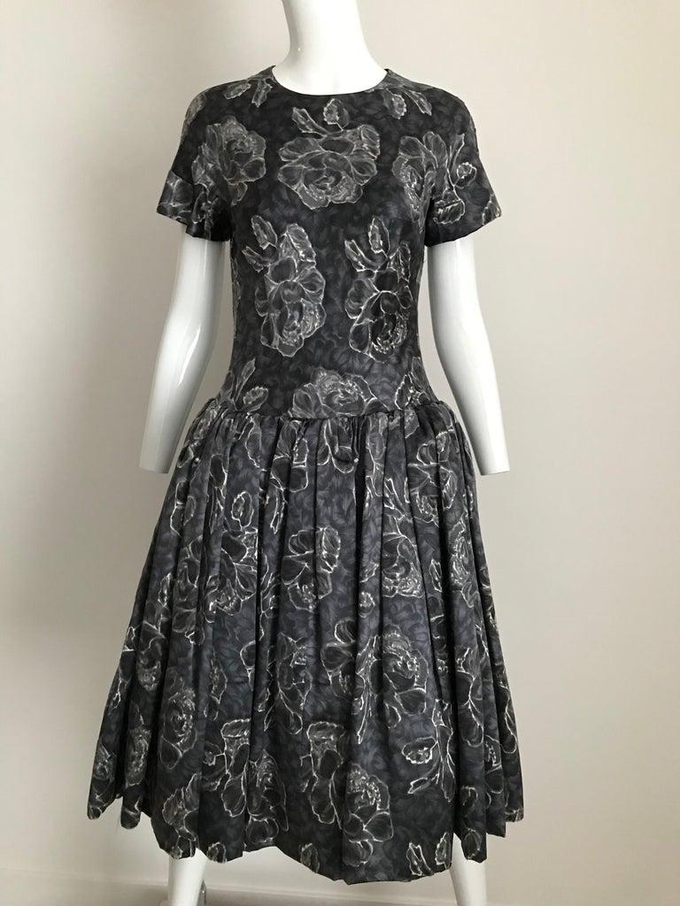 Vintage Norman Norell Blue and Grey Floral Print Silk Velvet Cocktail Dress  For Sale 3