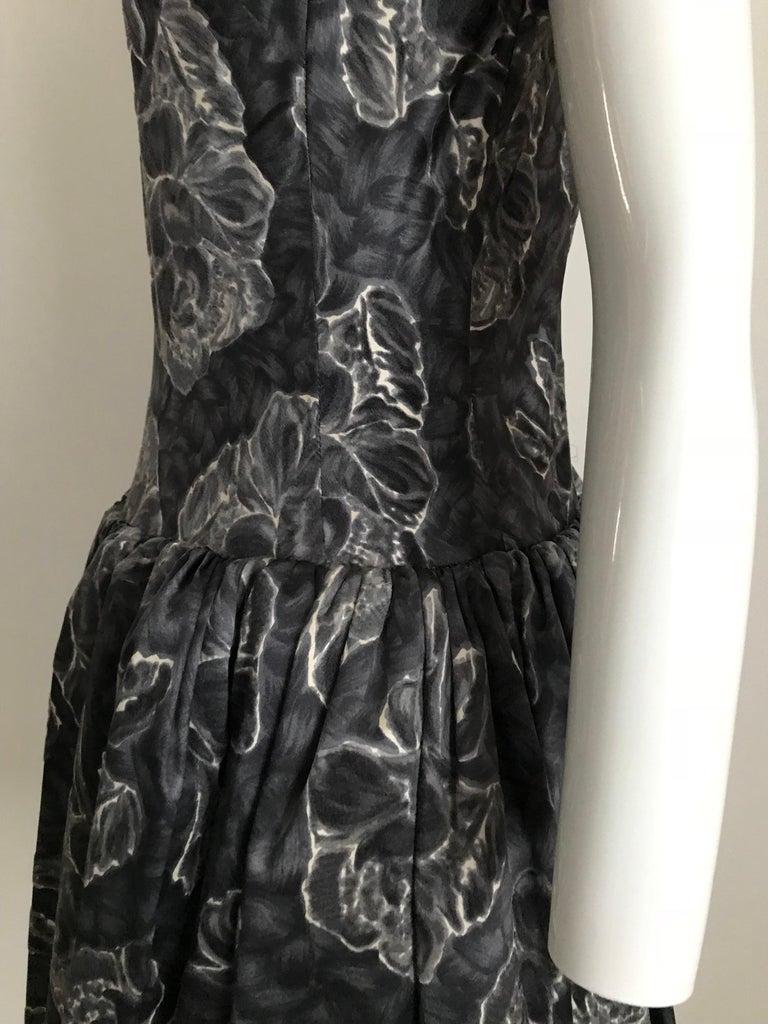 Vintage Norman Norell Blue and Grey Floral Print Silk Velvet Cocktail Dress  For Sale 4