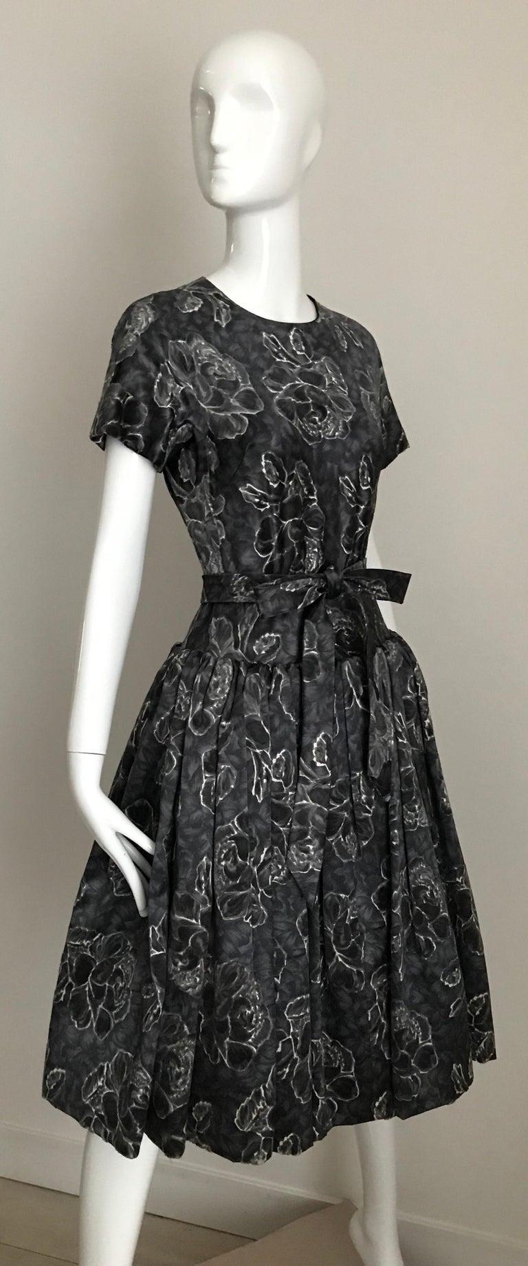 Vintage Norman Norell Blue and Grey Floral Print Silk Velvet Cocktail Dress  For Sale 6