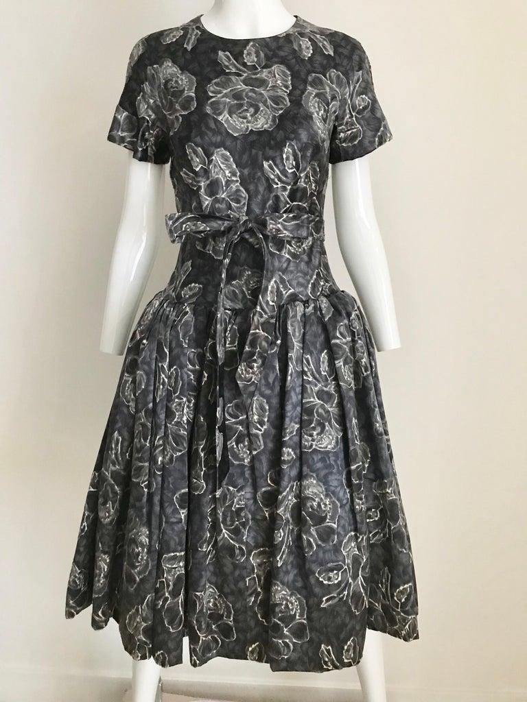 Vintage Norman Norell Blue and Grey Floral Print Silk Velvet Cocktail Dress  For Sale 9