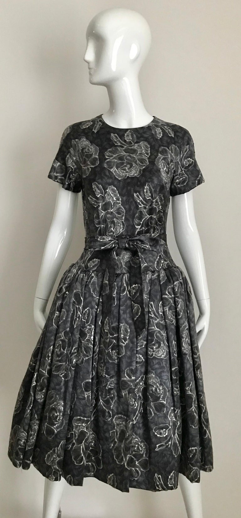 Vintage Norman Norell Blue and Grey Floral Print Silk Velvet Cocktail Dress  For Sale 10
