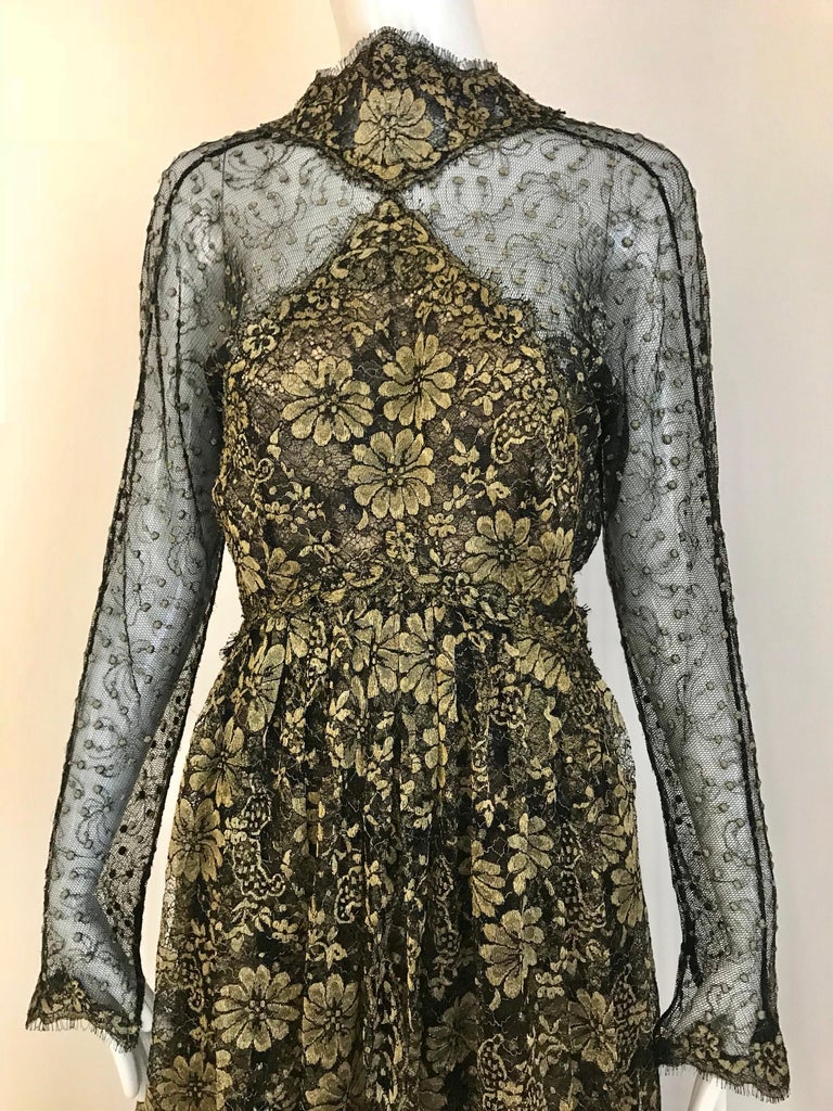 Geoffrey Beene Vintage Gold And Black Metallic Lace Dress  In Excellent Condition For Sale In Beverly Hills, CA