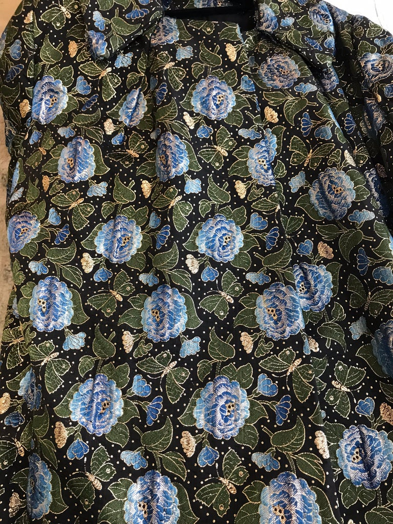 1950s Green and Blue Butterfly Print Brocade  Coat For Sale 7
