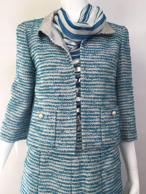 Chanel blue boucle suit and skirt set (3pcs) In Excellent Condition For Sale In Beverly Hills, CA