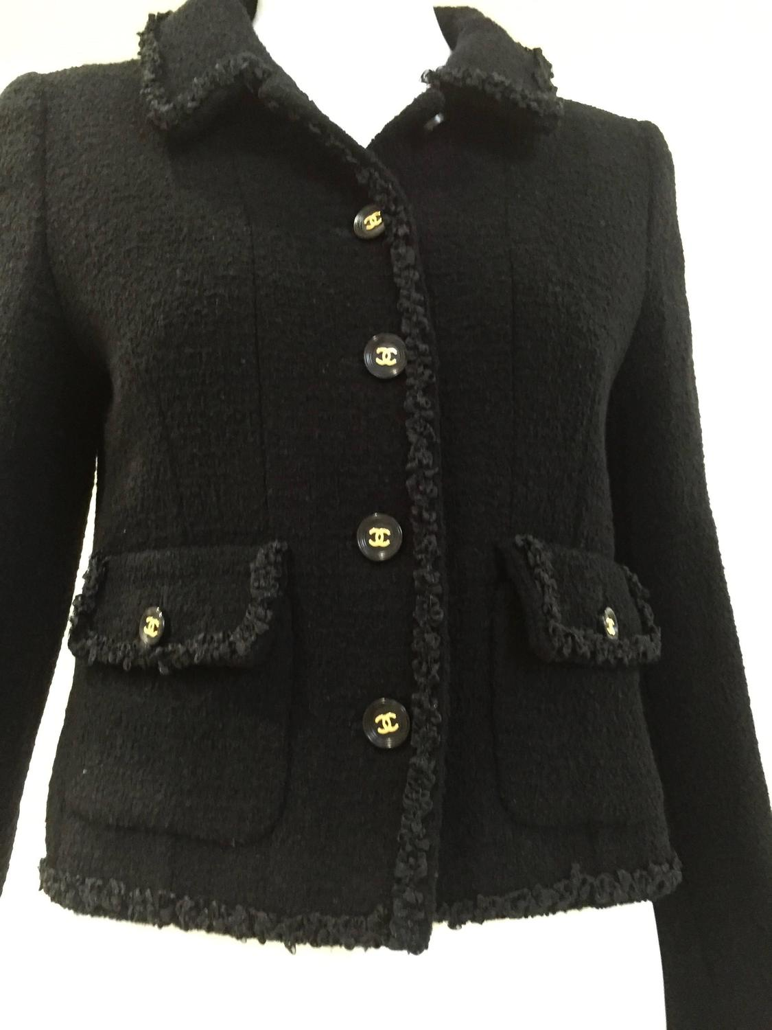 Browse women's designer jackets. Choose from a wide selection, including peplum jackets, women's long jackets and knit jackets. Official St. John Knits Site.