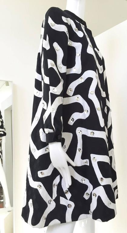 Black 1980s Geoffrey Beene Blaack and White Abstract Print Cotton Coat For Sale