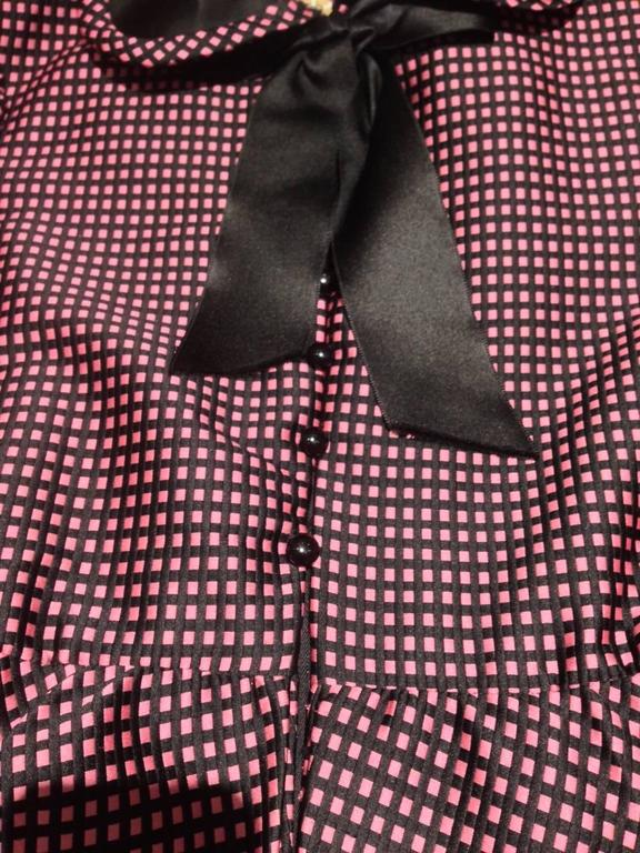 1960s Geoffrey Beene purple and black checkered Peter Pan Collar silk Dress In Excellent Condition For Sale In Beverly Hills, CA