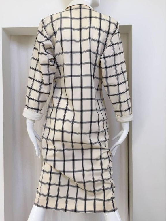 Vintage 1970s GUCCI Creme and Blue Plaid Linen 70s Day Dress In Good Condition For Sale In Beverly Hills, CA