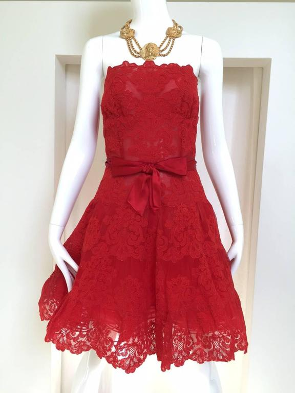80s Vicky Tiel red lace strapless mini cocktail dress.