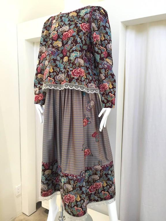 70s Geoffrey Beene wool crepe floral print  blouse skirt set.  skirt is made of silk.  Blouse bust: 40