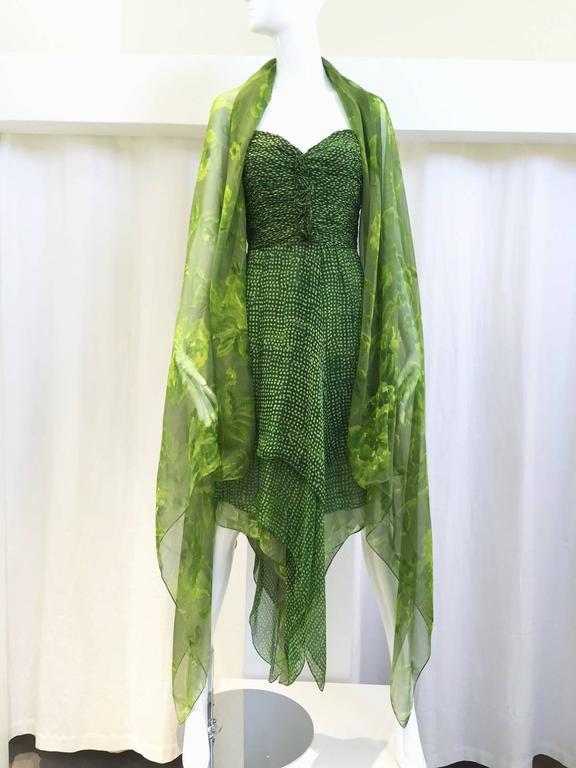 90s Oscar De La Renta green strapless silk chiffon gown with shawl 2