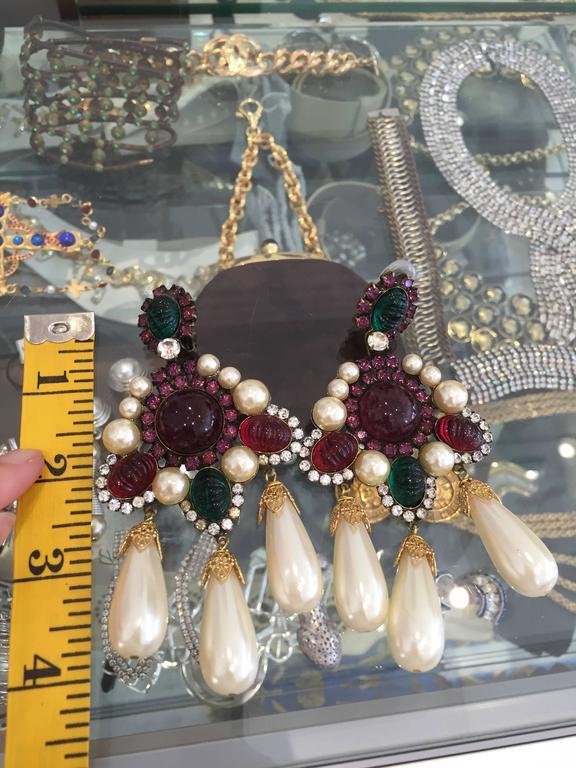 Women's 80s Larry Vrba faux pearl cabochon chandelier earrings For Sale