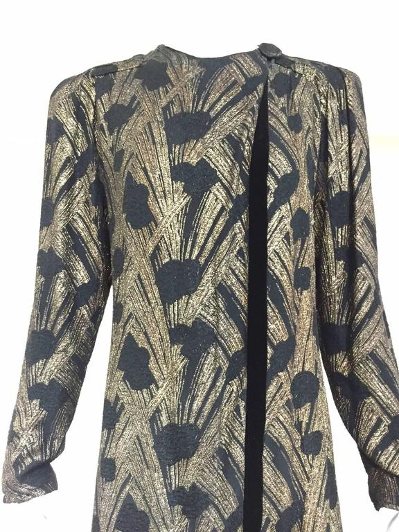 1930s  Black Brocade Gold lamè  Floral Evening Coat In Good Condition For Sale In Beverly Hills, CA