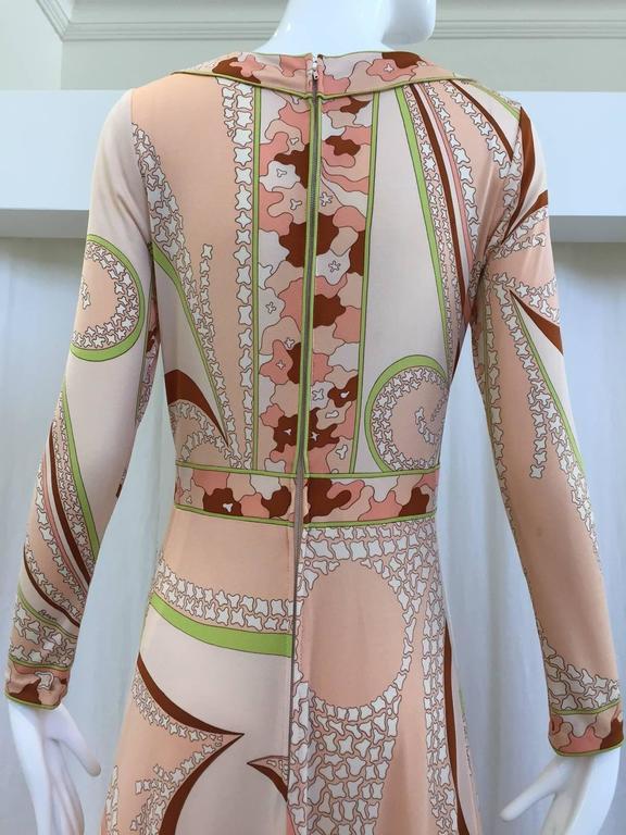 Women's 70s Bessie peach and brown print matte jersey maxi dress For Sale