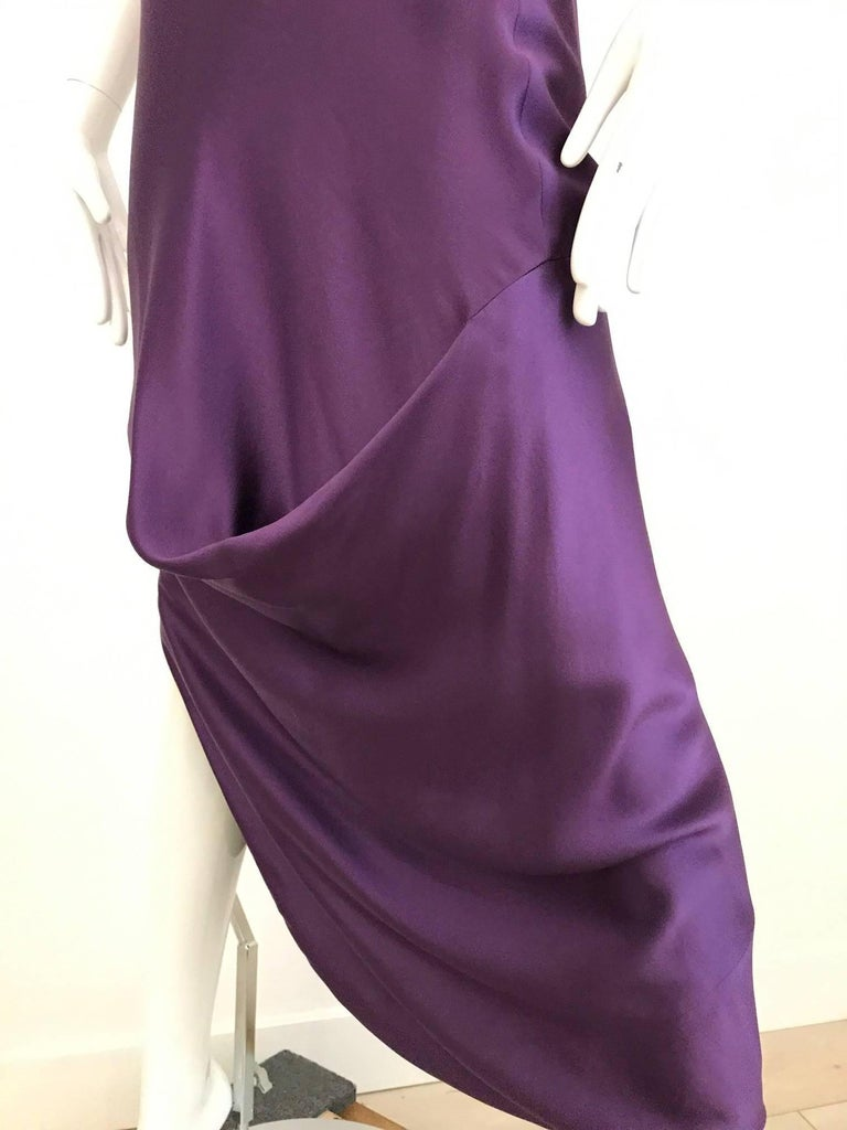 ALEXANDER MCQUEEN Violet Grecian Silk Gown with Asymmetrical Shoulder For Sale 2