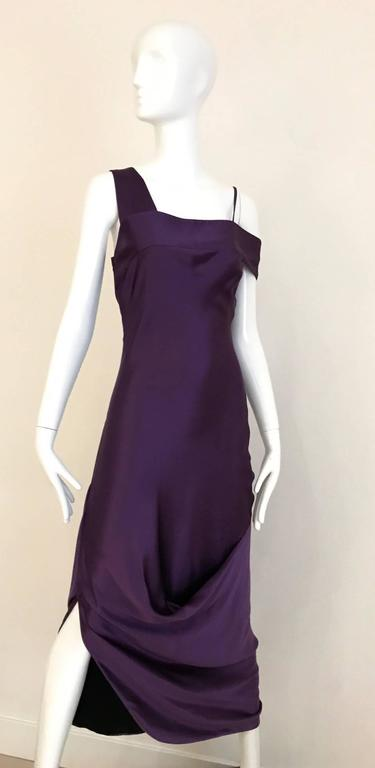 ALEXANDER MCQUEEN Violet Grecian Silk Gown with Asymmetrical Shoulder In Excellent Condition For Sale In Beverly Hills, CA