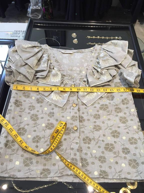 Women's 70s Oscar De La Renta grey and gold metallic linen 2 pcs For Sale