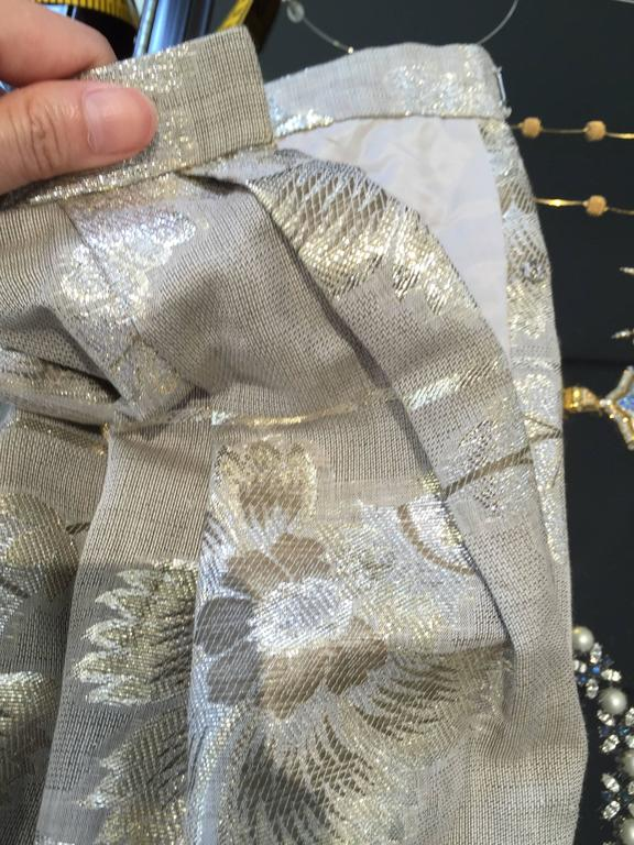 70s Oscar De La Renta grey and gold metallic linen 2 pcs For Sale 4