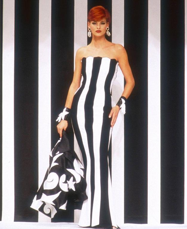 Women's 1990s VALENTINO Black and White Strapless Gown For Sale
