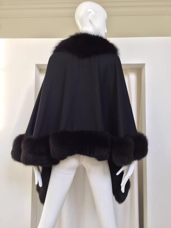 1980s Black Wool Shawl With Fox Trim In Good Condition For Sale In Beverly Hills, CA