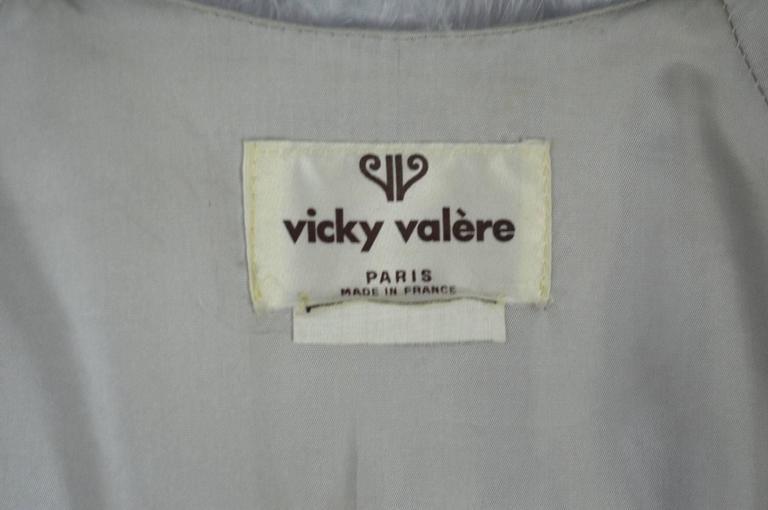 Vintage 1970s Vicky Valere light blue feather coat  4
