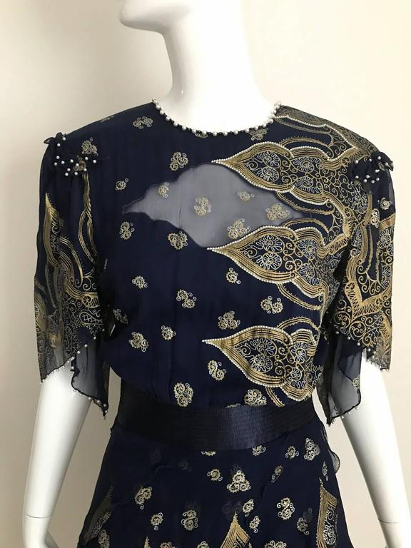 Vintage Zandra Rhodes 1980s Blue and gold hand print silk cocktail dress For Sale 2