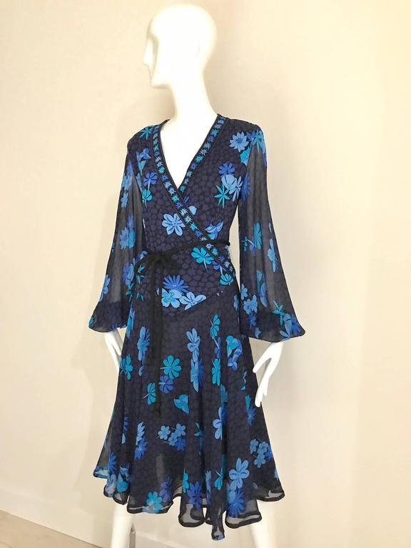 Purple 1970s Bessi black and blue floral print silk jersey dress For Sale