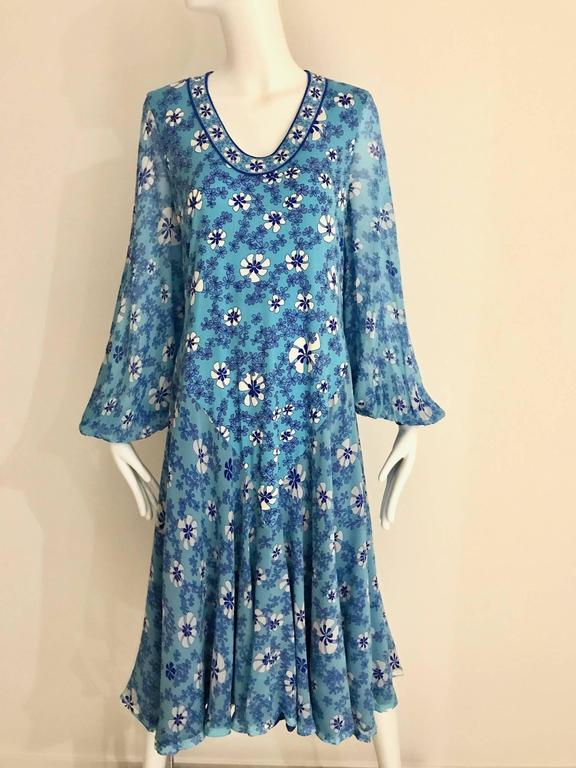 1970s Light silk jersey Bessi blue and white floral  print summer dress For Sale 1