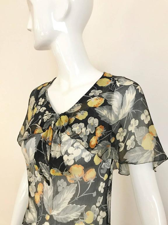 1930s floral print black, grey, orange floral print silk chiffon day dress In Good Condition For Sale In Beverly Hills, CA