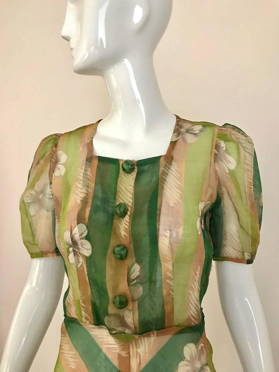 1930s Green floral print silk organza summer dress In Excellent Condition For Sale In Beverly Hills, CA