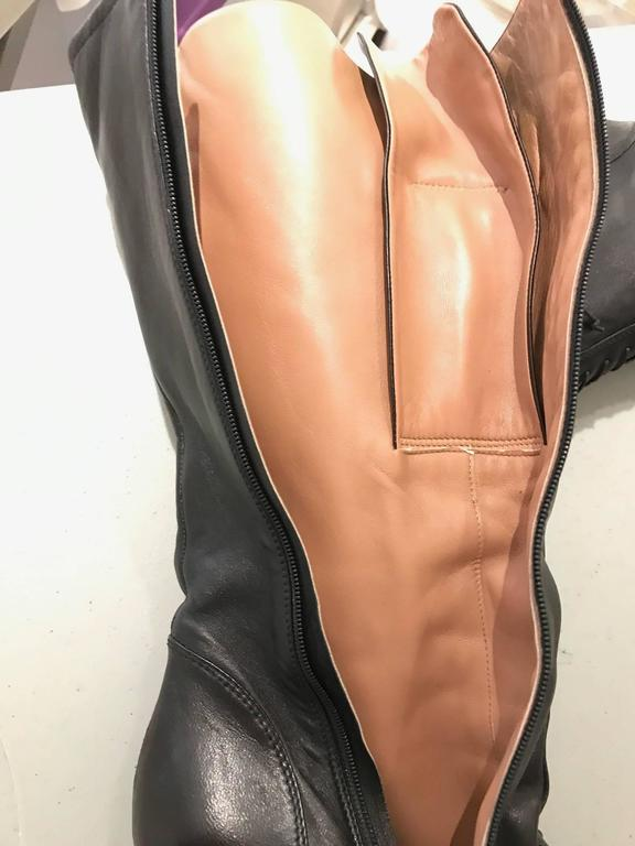Vintage ALAIA black leather knee boot For Sale 2