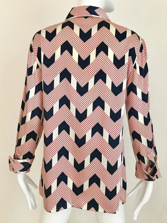 Vintage Giorgio Armani Red and Blue Chevron Print Silk Blouse In Excellent Condition For Sale In Beverly Hills, CA