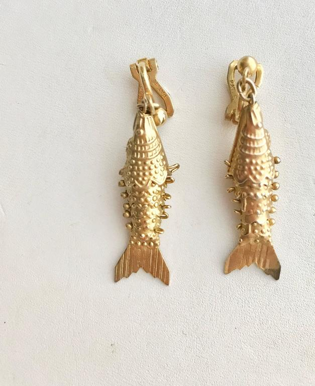 Egyptian Revival 1970s Gold and Silver Fish Bib Necklace with earring set For Sale