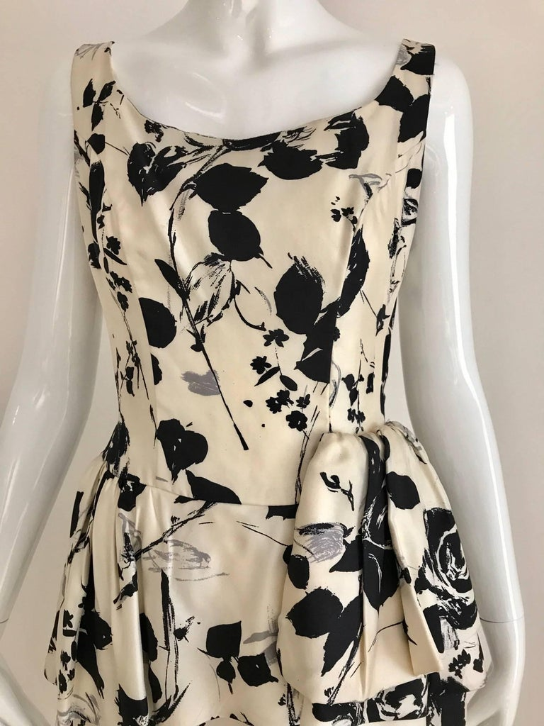 1960s Black and Ivory Floral Print Sleeveless Silk Sheath Vintage 60s Dress 4