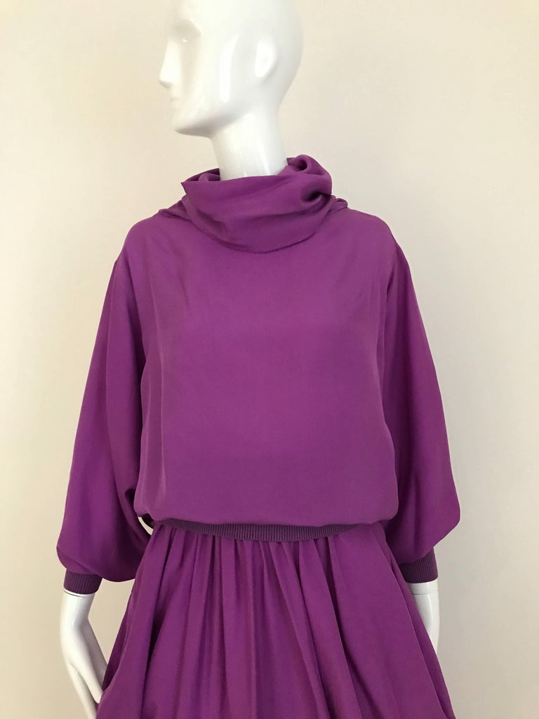 1990s MAX MARA Violet Silk Blouse and Skirt Ensemble In Excellent Condition For Sale In Beverly Hills, CA