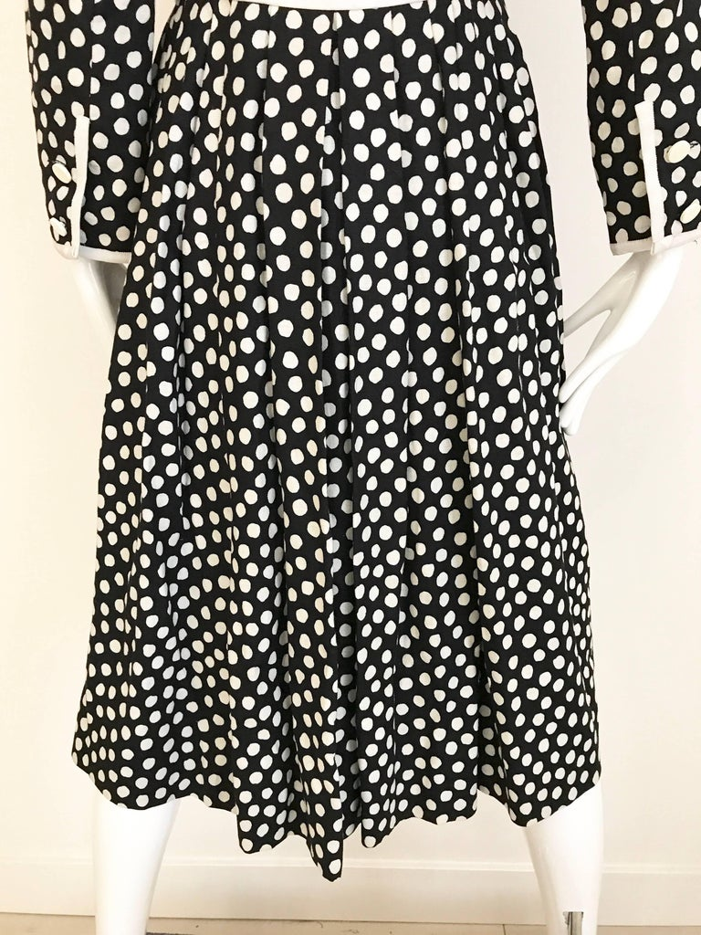 1970s GIVENCHY Black and White Dot Linen Coat Dress For Sale 2