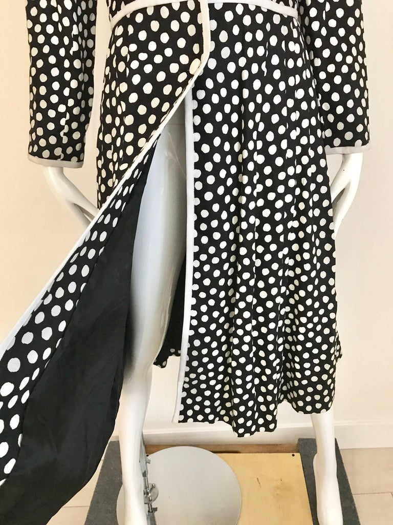 1970s GIVENCHY Black and White Dot Linen Coat Dress For Sale 5