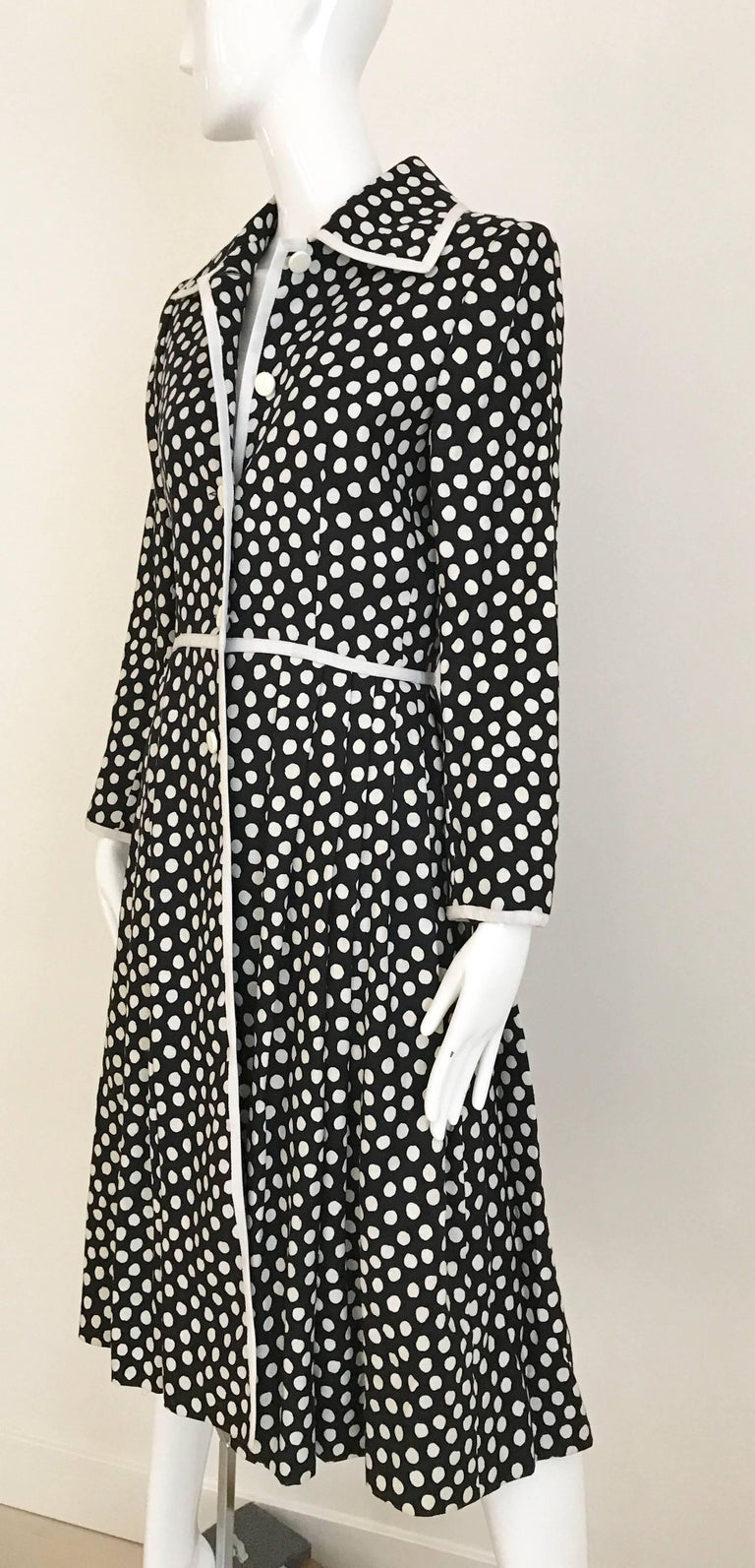 1970s GIVENCHY Black and White Dot Linen Coat Dress For Sale 6
