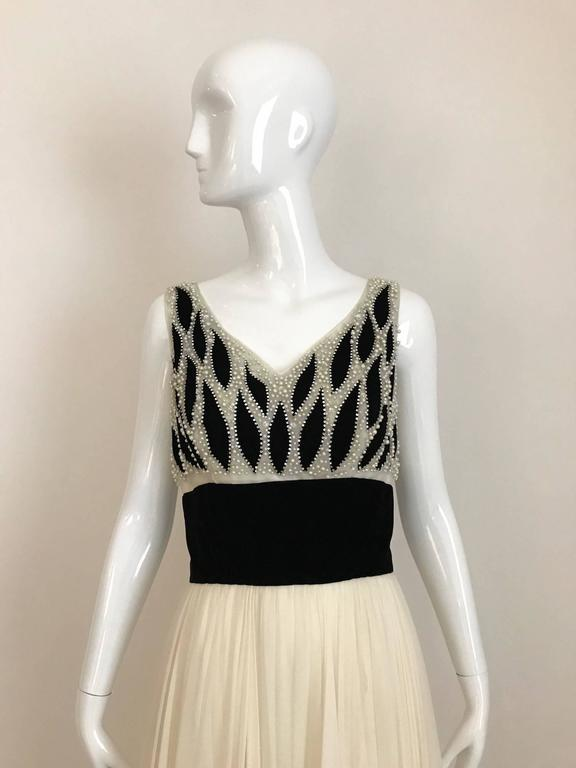 1950s Philip Hulitar Ivory and Black Velvet Pearl Encrusted Beaded Gown For Sale 3