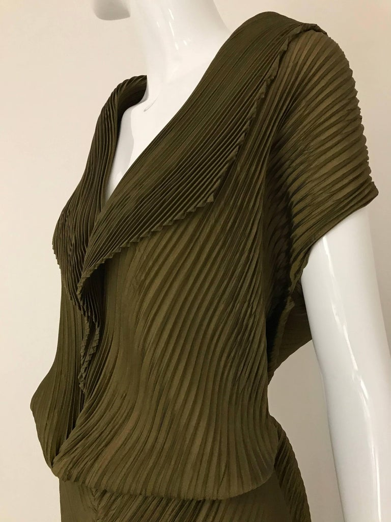 Vintage Issey Miyake Metallic Green Pleats Dress In Excellent Condition For Beverly Hills