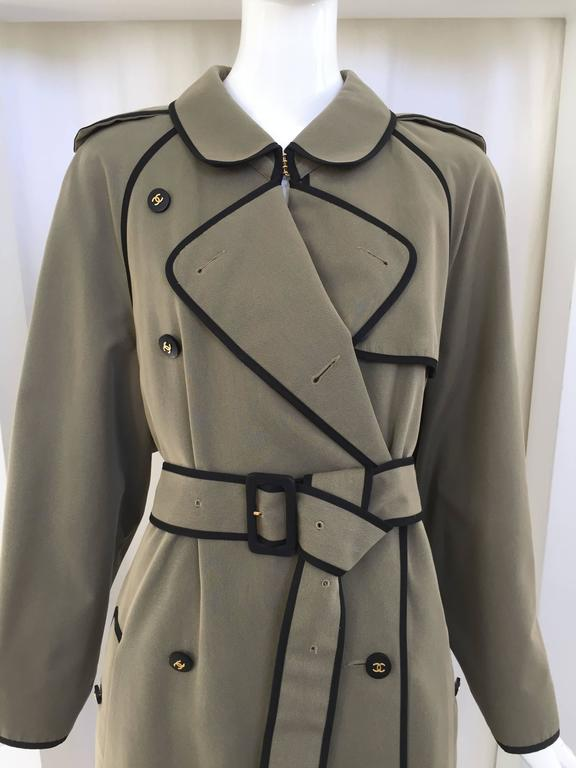 Black 1980s CHANEL olive green cotton trench coat For Sale