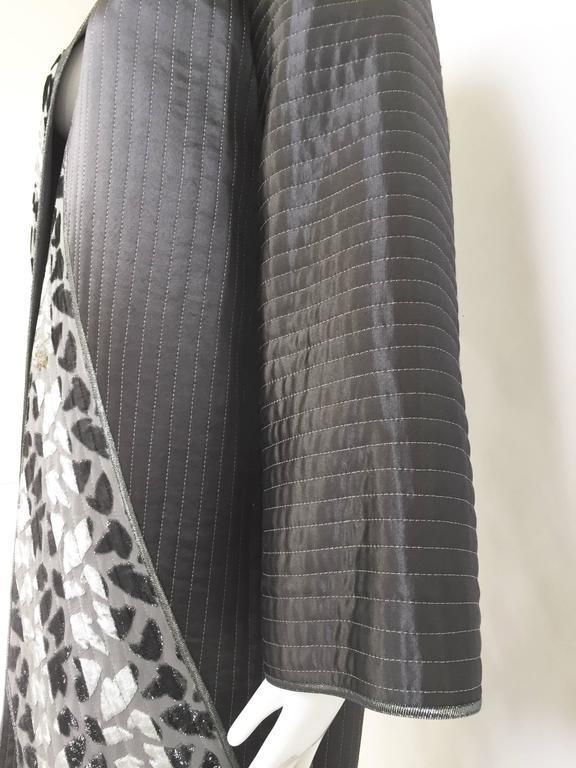 Black 1990s Geoffrey Beene charcoal grey silk coat For Sale