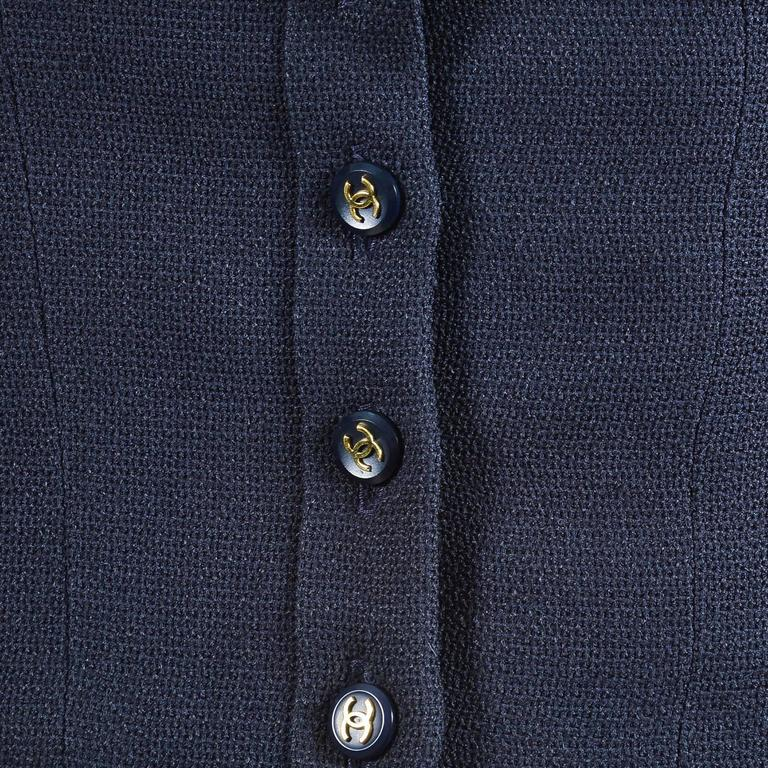 """Vintage Chanel Spring 1995 Navy Cap Sleeve Woven Crepe """"CC"""" Buttoned Bow Tie Top 5"""
