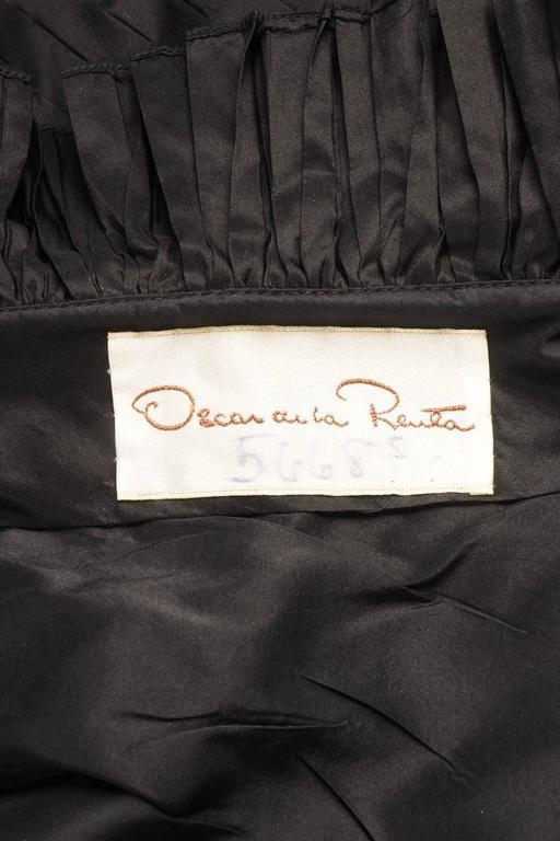 Oscar de la Renta Black Tiered Pleated Tulle Trim Strapless Mermaid Gown 5