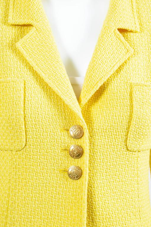 Vintage Chanel Boutique Yellow Tweed 'CC' Button Cropped Structured Jacket 4
