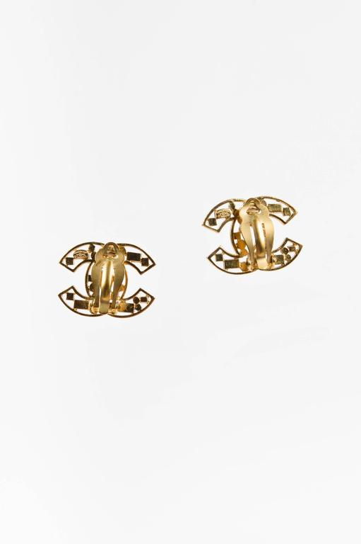 Chanel 03A Gold Tone Brown Pink Crystal Embellished 'CC' Clip On Earrings 2